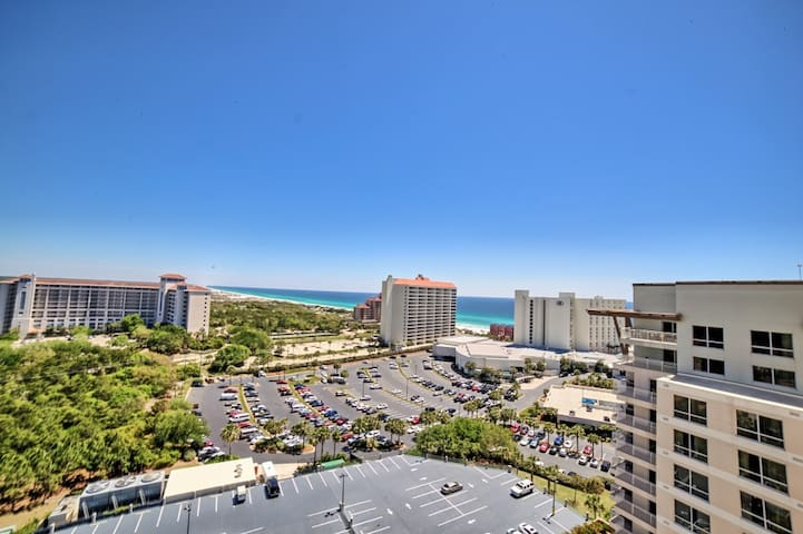 Luau 7407, Coast line view of Gulf from Floor 14 - Miramar Beach - Kondominium