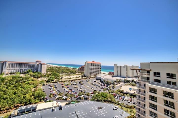Luau 7407, Coast line view of Gulf from Floor 14 - Miramar Beach - Condominio