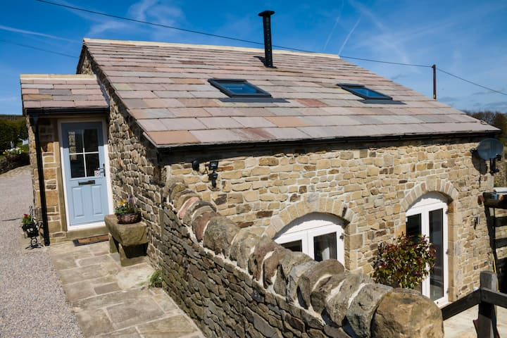 The Croft - Award Winning Country Cottage