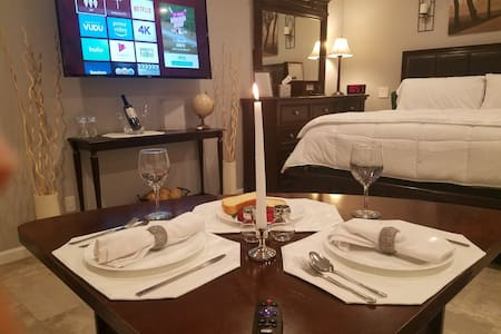 20% Off! Amazing Private Guest House w/ Pool & BBQ