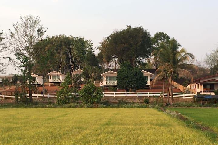 Baan La-or Chiang Rai (2 small beds) Room 1