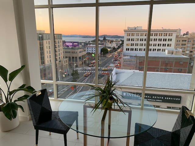 New 2 bed/2 bath Nob Hill / Pac Heights penthouse!