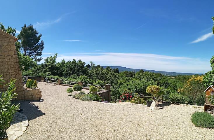 Pause nature à Blauvac, village perché de Provence