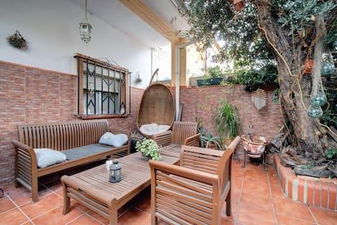 位於Bda的橄欖樹屋,配有按摩浴缸。La Granja