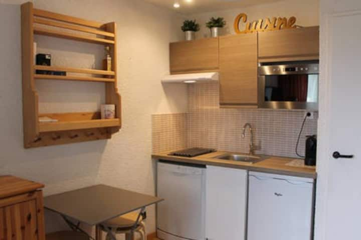 One room apartment at Alpe d'Huez down town