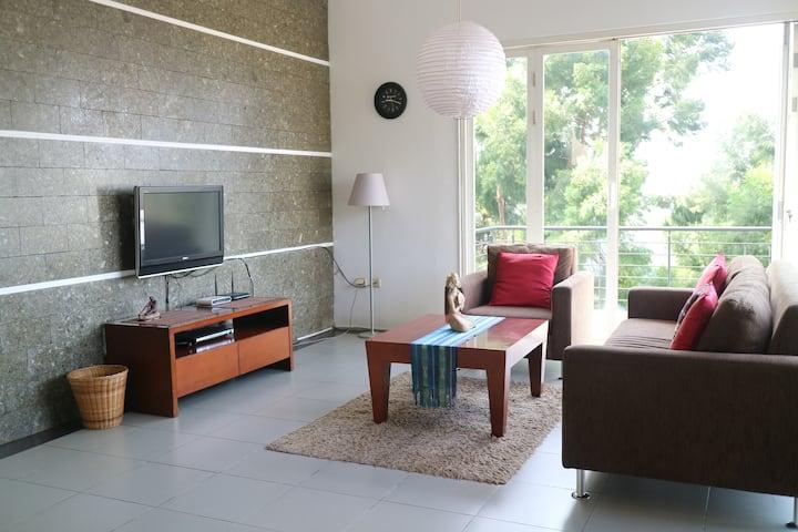 Villa Babeh | Private 5BR House in Dago, Bandung