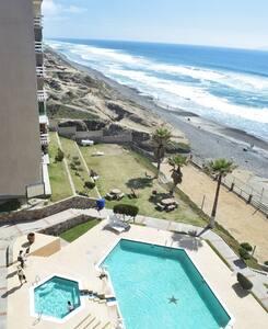 Two Seaside Rooms, Pool on Baja Ocean Beach - Tijuana - Bed & Breakfast