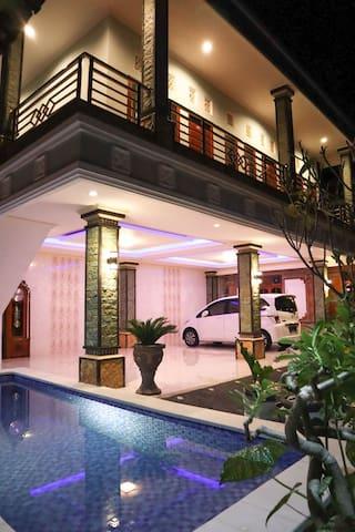 Ceria Guest House R1