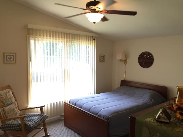 Ivy Cottage-Private Full Bed & Bath - Gordonsville - House