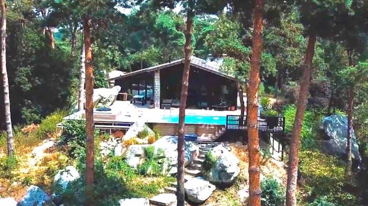 Maison d'architecte en forêt, 50 km de Paris