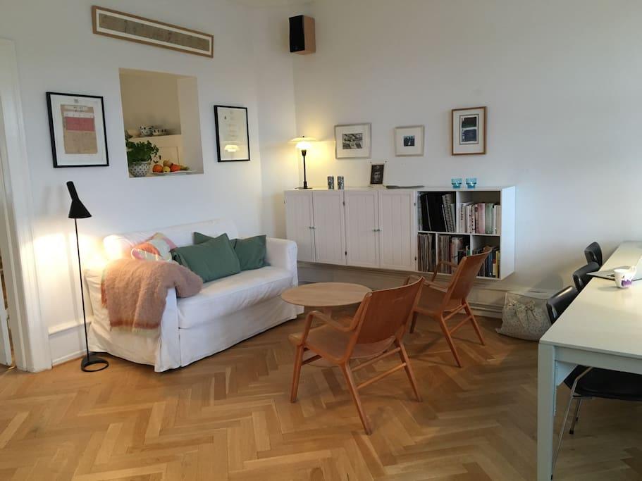 Livingroom 1/ sleeping sofa