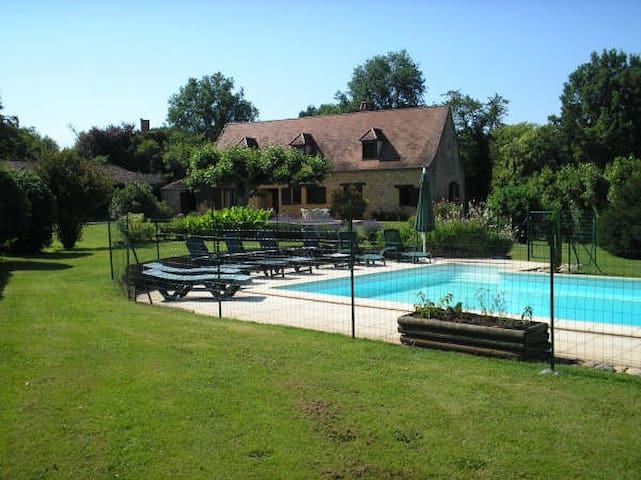 2 houses (14 p)  with private pool near Lalinde - Lalinde - House