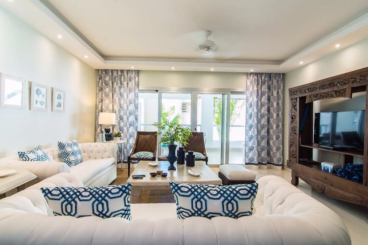 B203 Luxury Beach Resort 3 Bedroom Condo Sleep 8