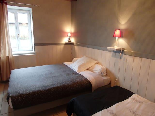 Gite ''les Peyrots'' - Boussac-Bourg - Hotel ekologiczny