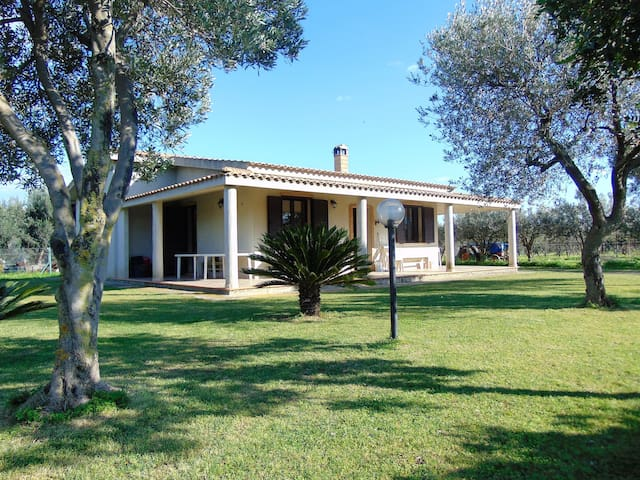 Independent house in the green - Capoterra - Villa