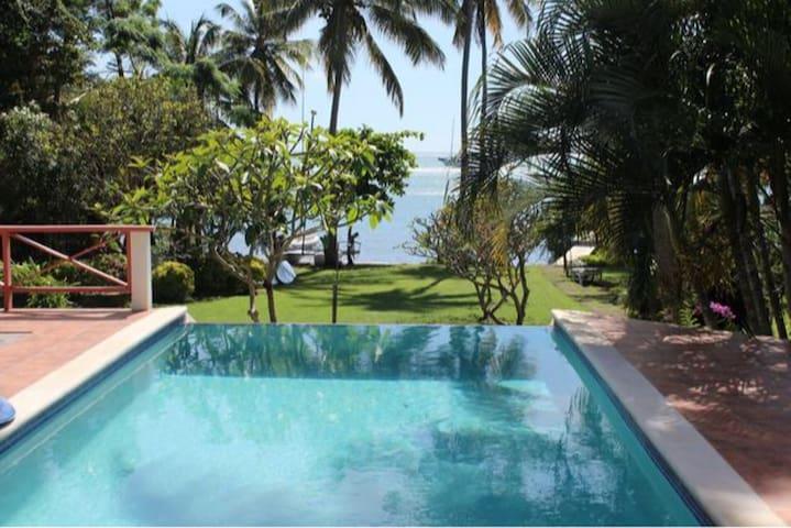 Tamarind Cottages Villa Dixon