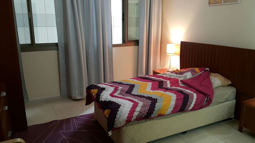 Master Bedroom- Downtown near sea