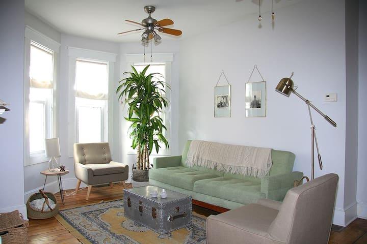 Bright Broadway Apartment - Newport - Appartamento