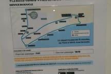 Trajet de navette gratuite Boccabana, tous les 15 min. Arret a 50 mts. Tous les jour de 7 heure a 19 heures. Jusqu'au 15 Septembre