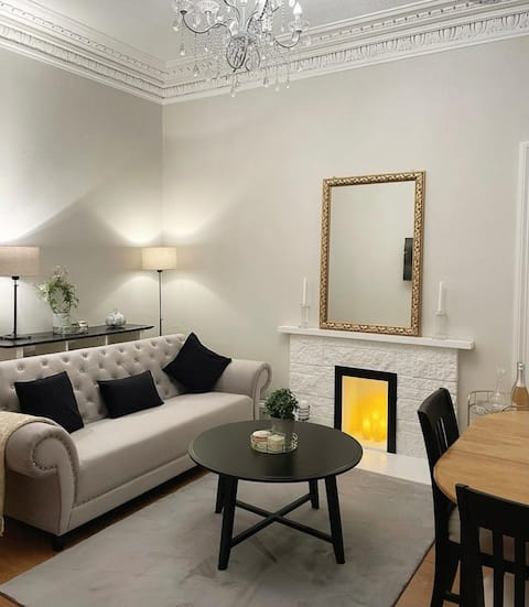 Beautiful Victorian one bedroom apartment