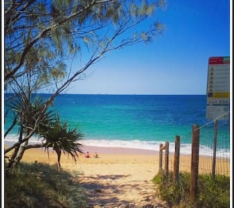 THE SHELLY BEACH HOUSE - VIEWS & PET FRIENDLY - Shelly Beach