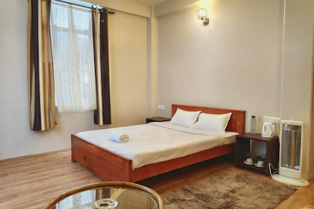 Breeze Vale Homestay 5 (Semi Deluxe Rooms)