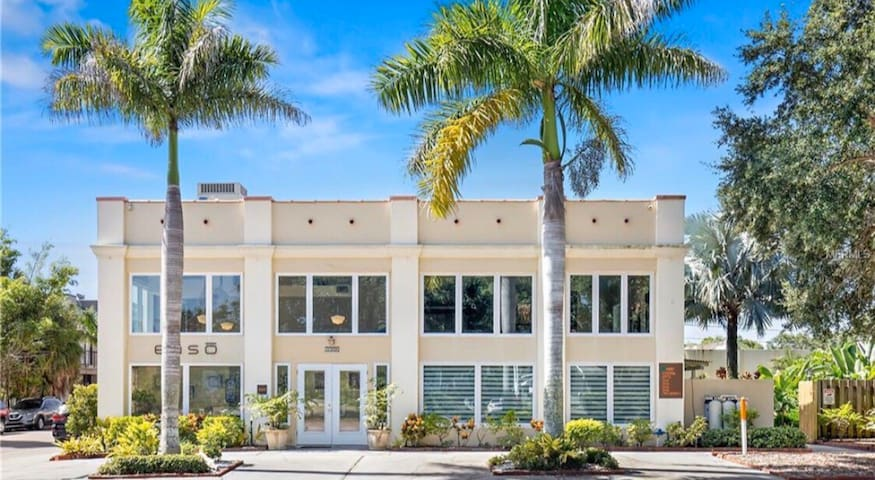 Stay in the heart of St. Pete's Art district!