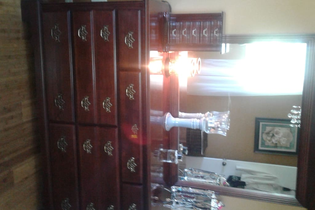 Plenty of closet/drawer space