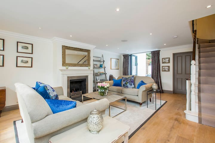 Stunning 4 floor house in Chelsea, private mews. - Londres - Casa