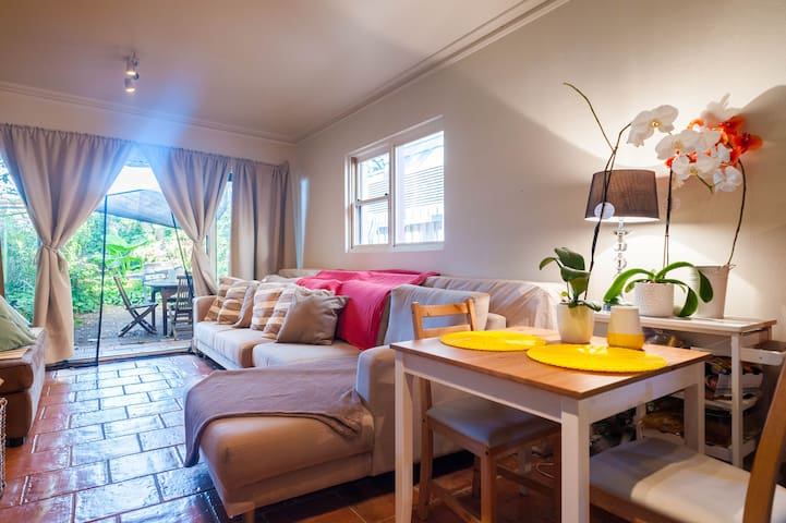 Great value  Sofa bed close to city - Erskineville - Huis
