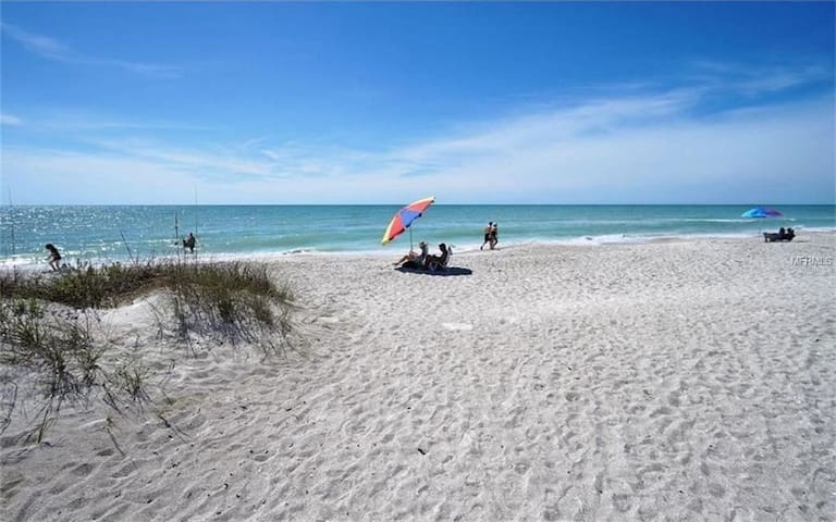 Beach Villa on Famous Longboat Key!