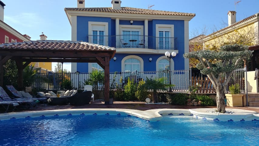 Excellent Villa near Alicante, Elche y Airpot