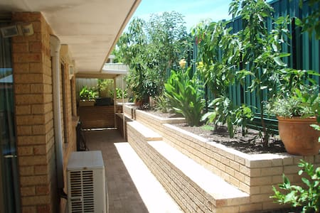 Modern Villa, Close to Fremantle & Perth - Melville