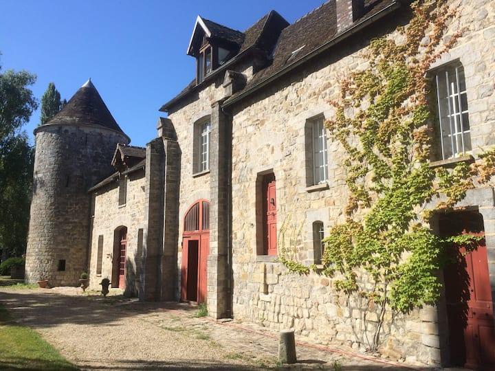 Chateau en Bourgogne, à moins de 100km de Paris