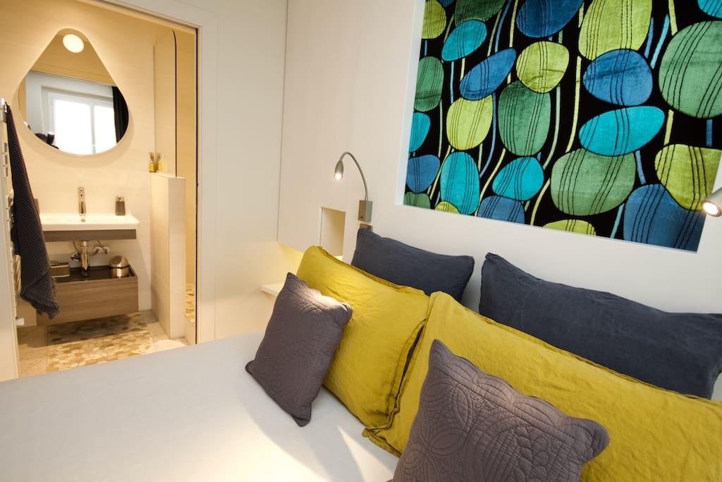 ch priv e prestige berges rh ne clim petitd j chambres d 39 h tes louer lyon auvergne. Black Bedroom Furniture Sets. Home Design Ideas