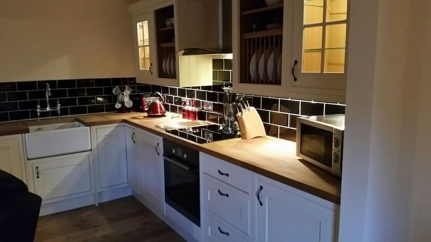 Cook & Lews fully integrated kitchen.
