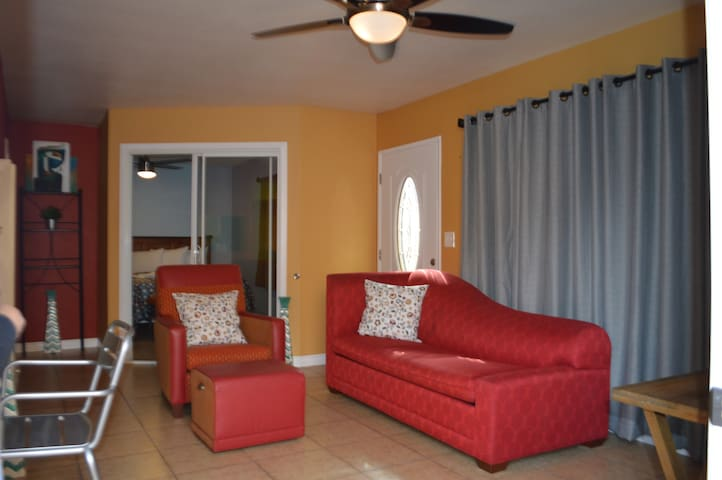 Casa Barrio - Located just 1 mile from Downtown SD