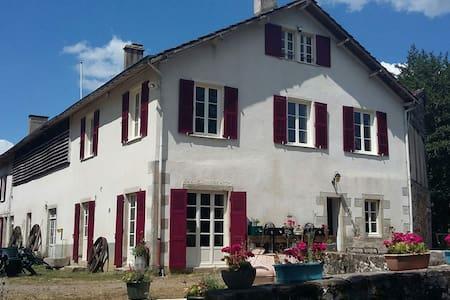 Moulin de RICHEBOURG en Limousin - Saint-Jean-Ligoure