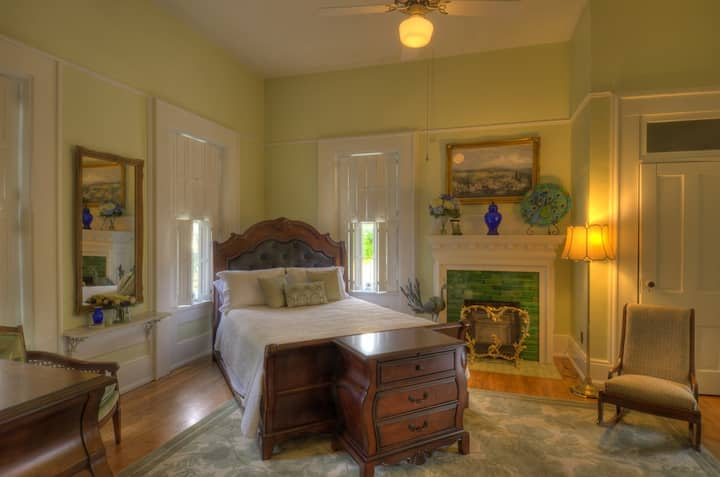 The Purviance House B & B -- Taylor Suite