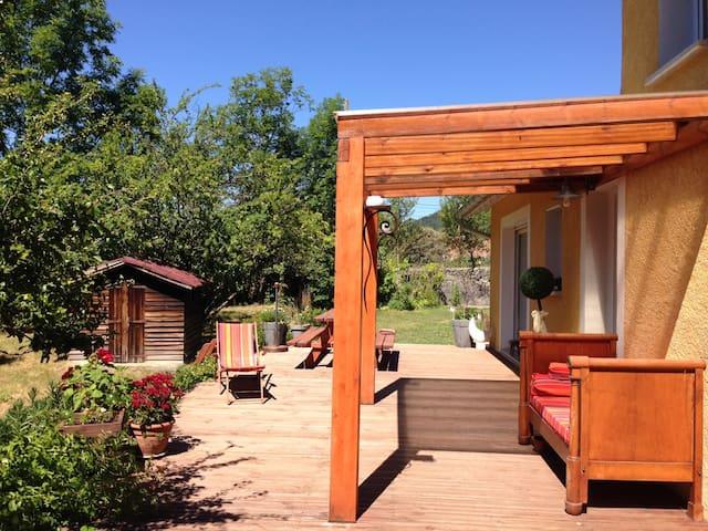 Chambre dans Villa avec jardin - Veynes - Huvila