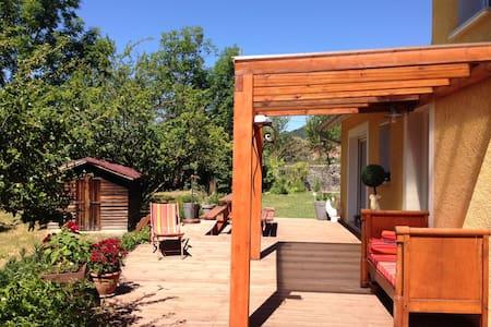 Chambre dans Villa avec jardin - Veynes
