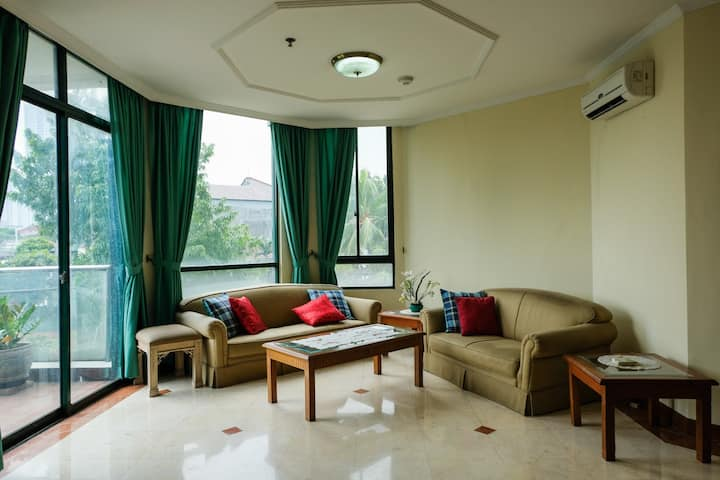 Fabulous 3BR with Pool View @ Permata Gandaria Apt