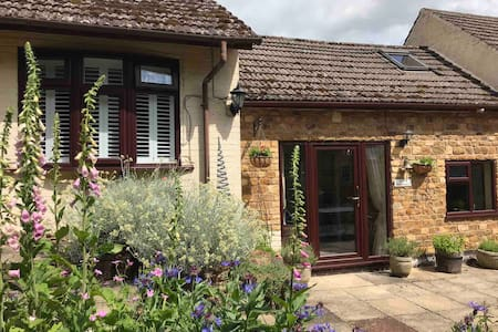 Gable Cottage Bed and Breakfast