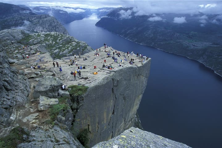 Flat  near by Preikestolen. - Strand - Apartment