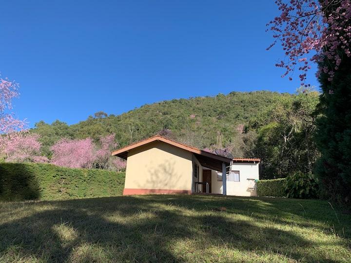 CASA DO CIPRESTE na Villa Curiango, vida leve!
