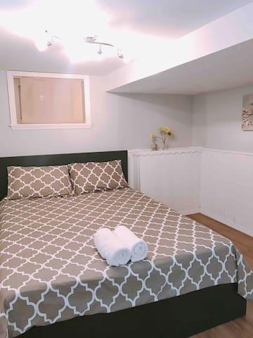 still Bedroom #1 but in different bedding set.  One big standard towels per each registered guest.