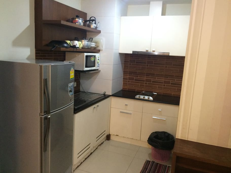 2BRD A mins to BTS Ploenchit .Kitchen with microwave