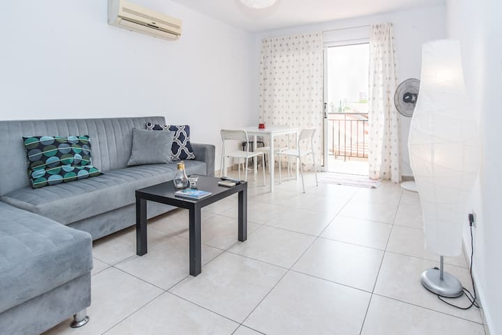Bright & clean 1 bdrm in heart of old Limassol