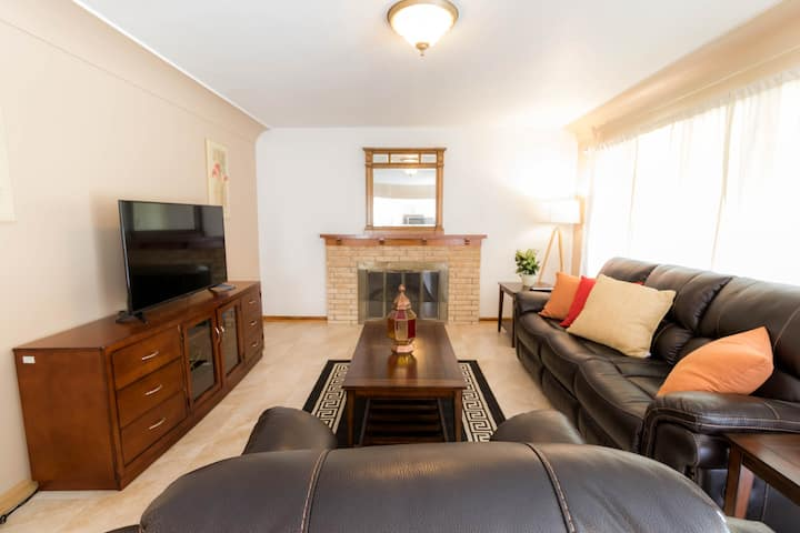 (907#1) Cute and Cozy 2BR Apartment close to Mayo
