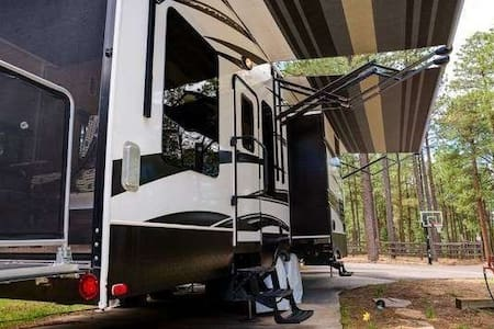 Luxury RV Rental that Sleeps 6 - Angel Fire - Camping-car/caravane